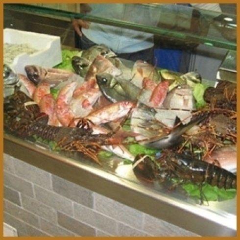 cucina specializzata in piatti di pesce