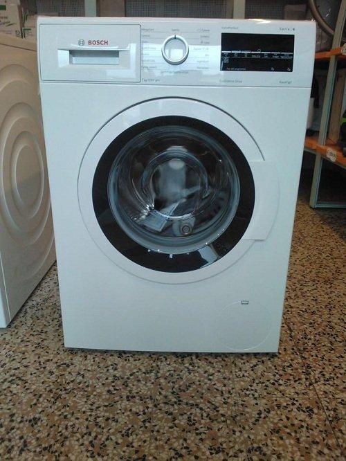 una lavatrice della marca Bosch