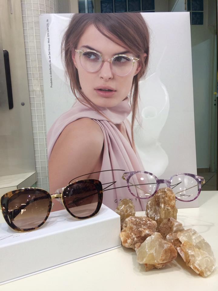 occhiali da sole e da vista di tendenza da donna