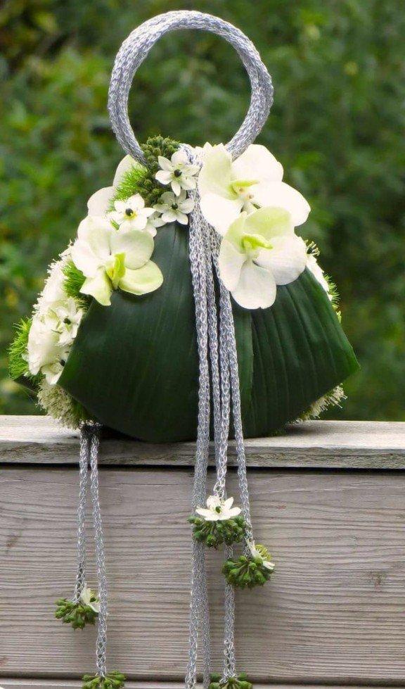 borsa realizzata con fiori