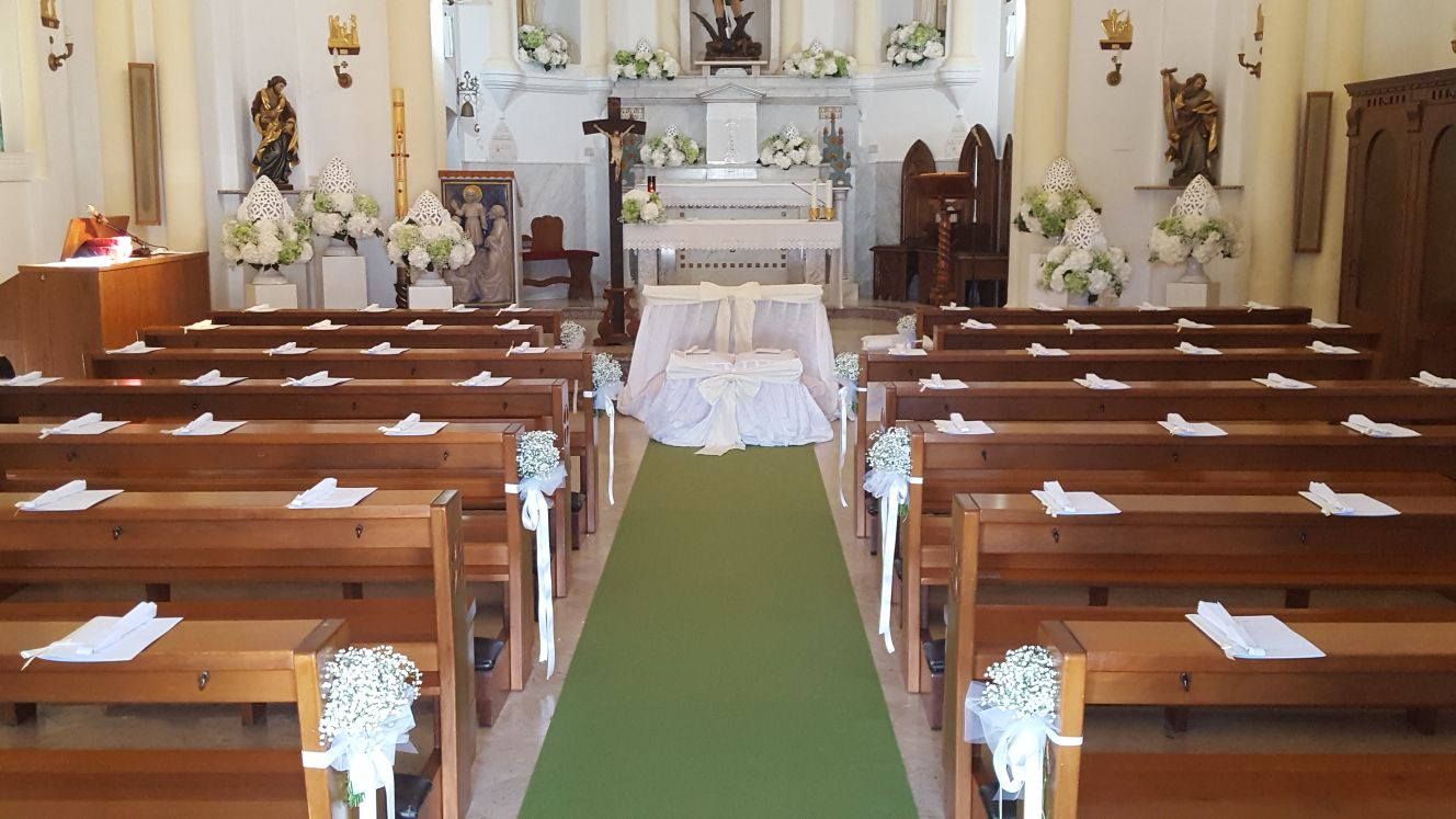 allestimento interno chiesa
