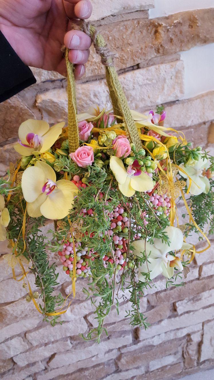 cesto con fiori