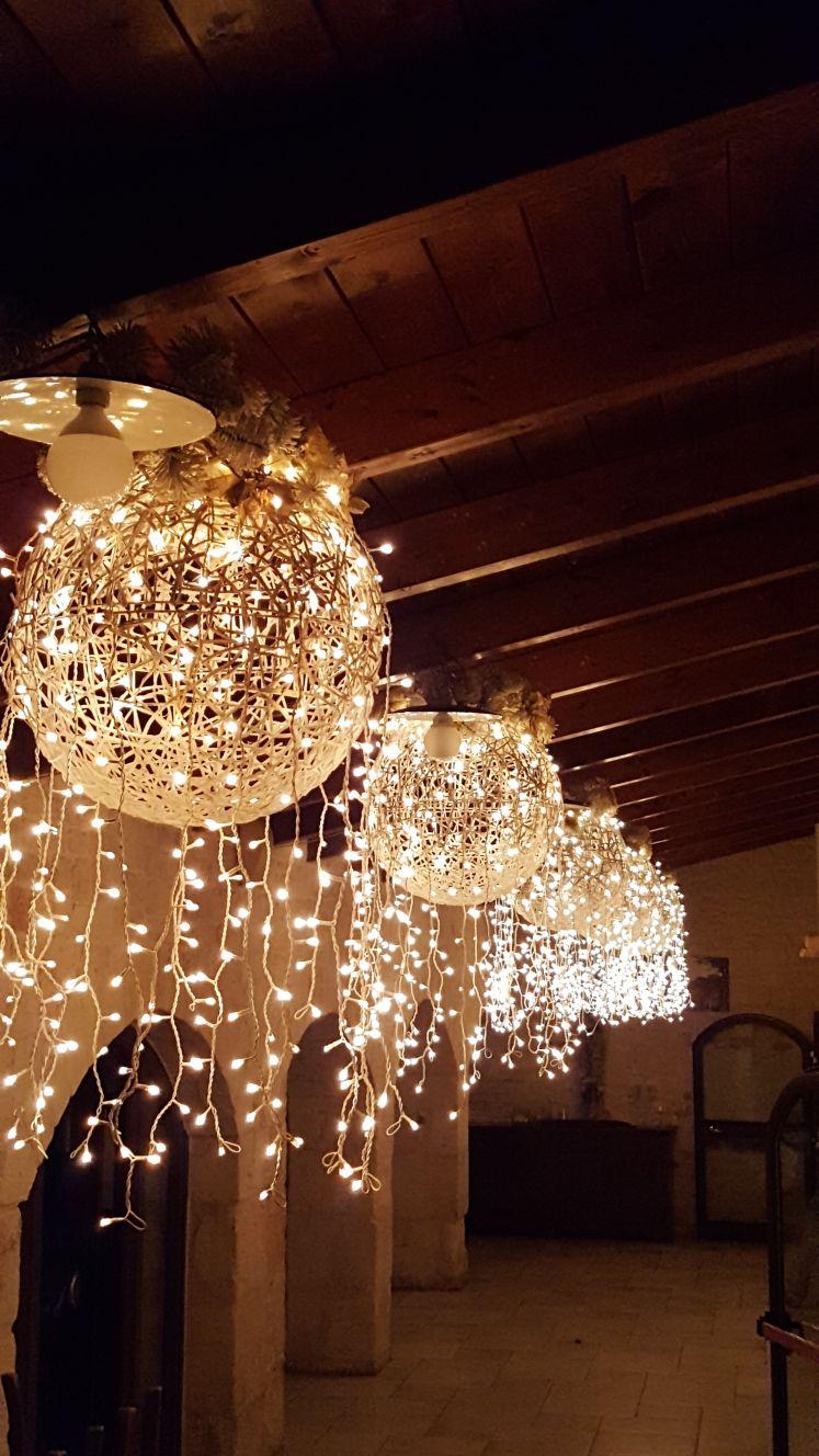 palla di lampade e decorazioni