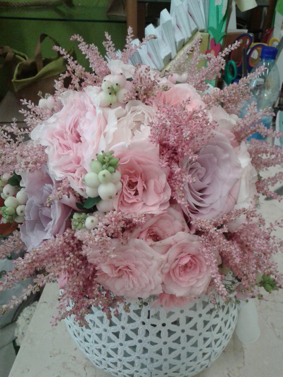 centrotavola con fiori rosa