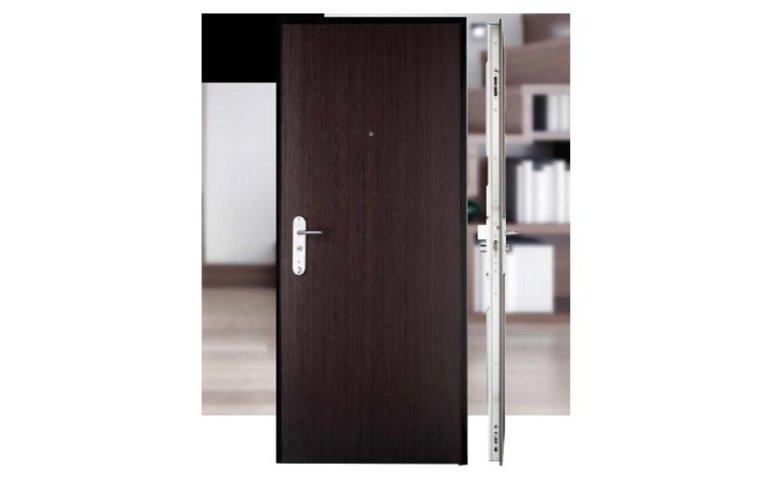 porte in legno scuro