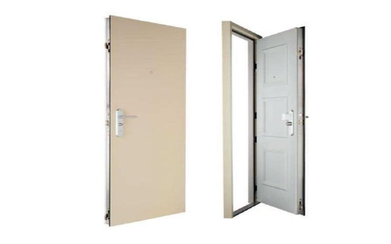 porte acciaio e legno