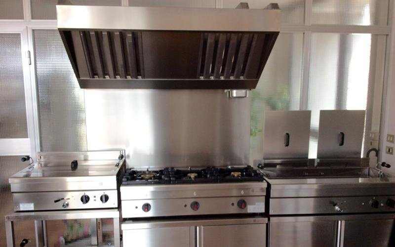 cooker with hood and fryer