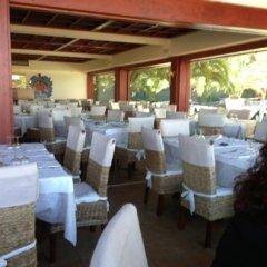 ristorante con ampia sala interna