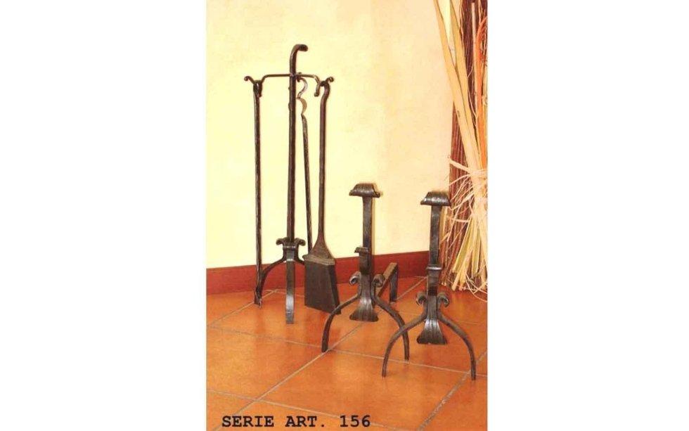Set alari ed accessori per il camino