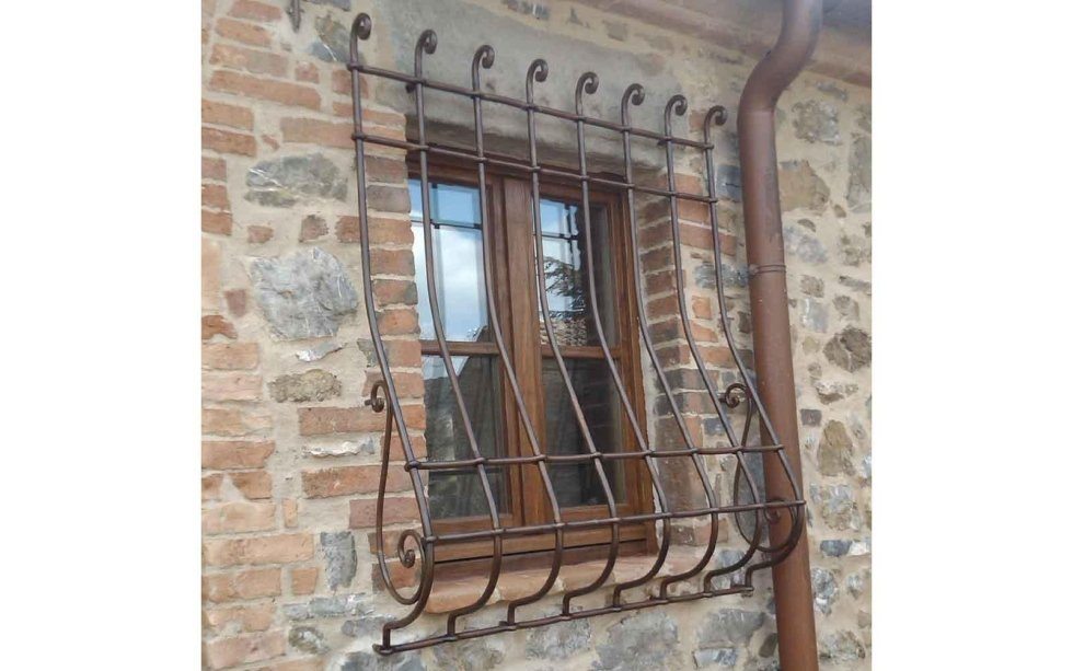 Infissi ed inferriate greve in chianti firenze cappelli - Finestre con inferriate ...