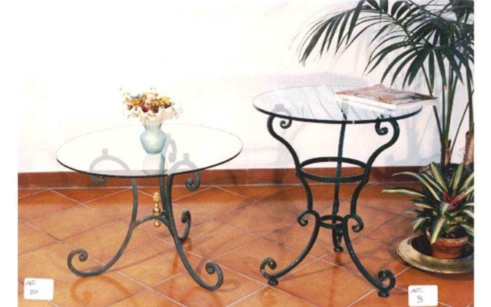 Tavolini in ferro battuto