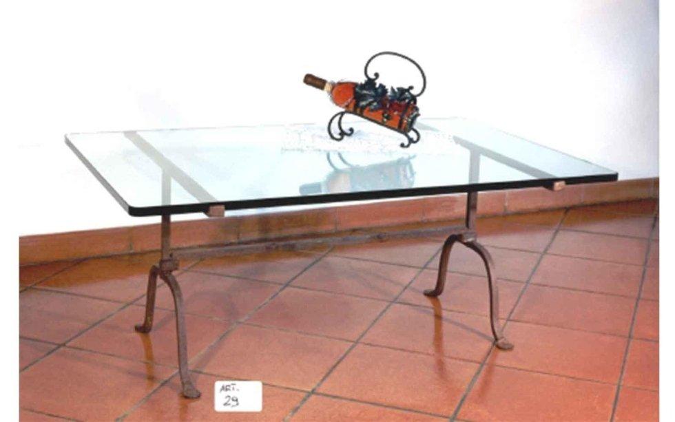 Vasta gamma di tavoli e tavolini