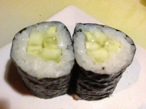 rotolini di riso con pesce crudo