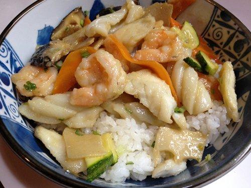 riso con gamberi carne e zucchine