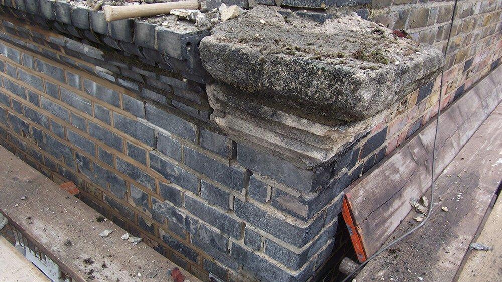 Parapet wall before refurbishing