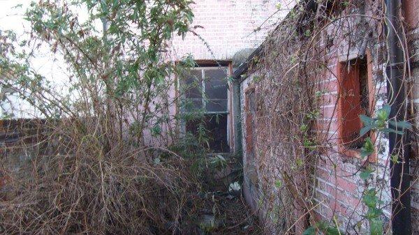 house exterior before refurbishing