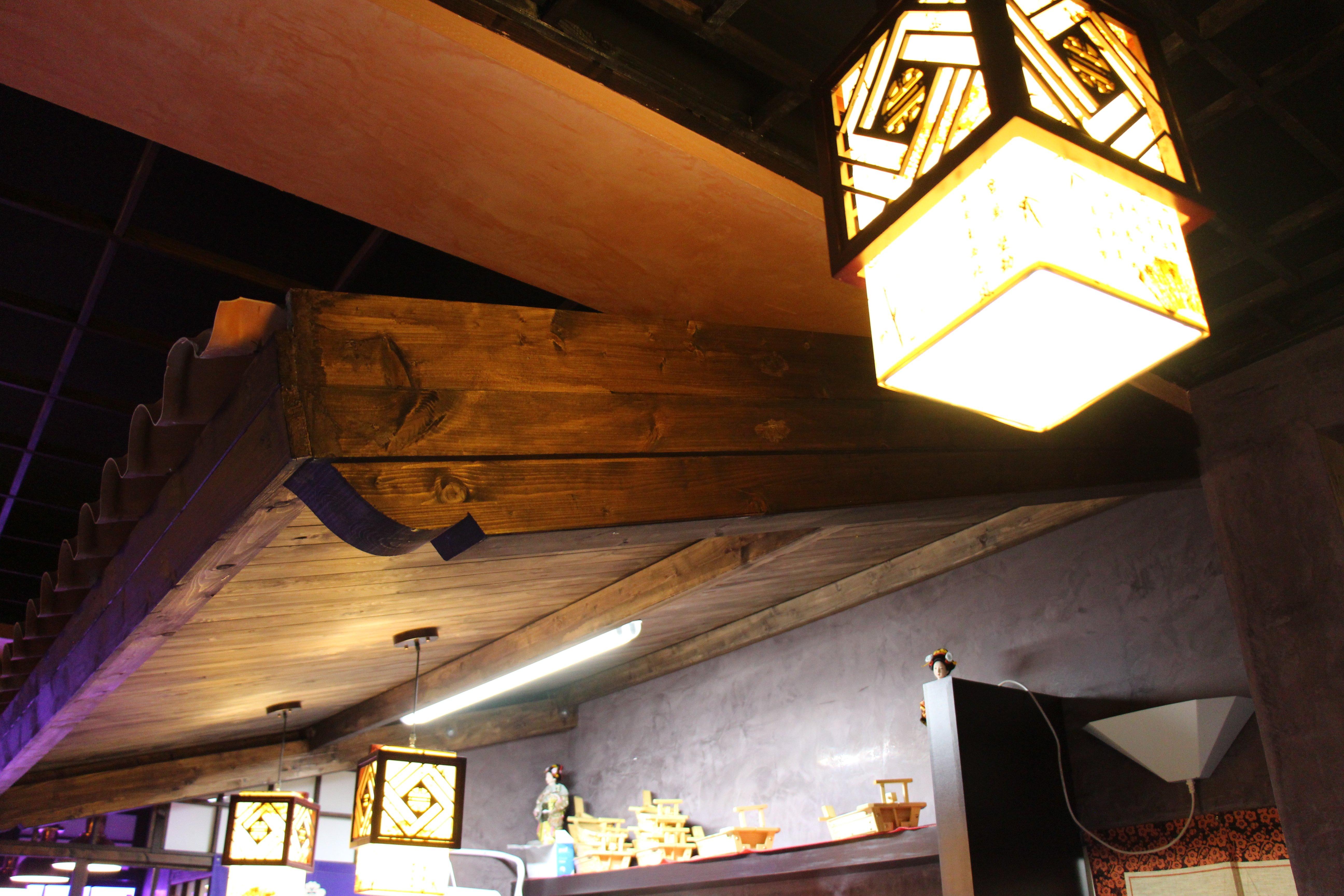 lampade ed interni del ristorante Sushi.BA
