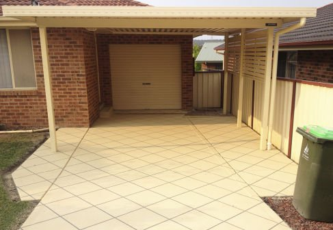paved-entrance-to-house