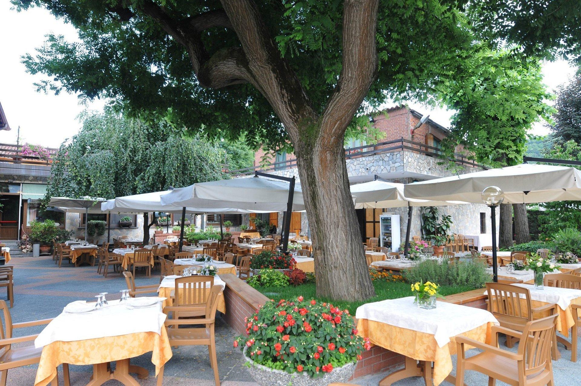 ristorante all`aperto