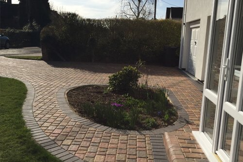 Garden landscaping by Creative Drives Ltd