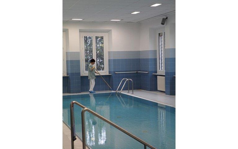 servizio di pulizia piscine
