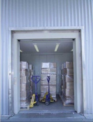 Montacarichi per trasporto materiale da imballaggio