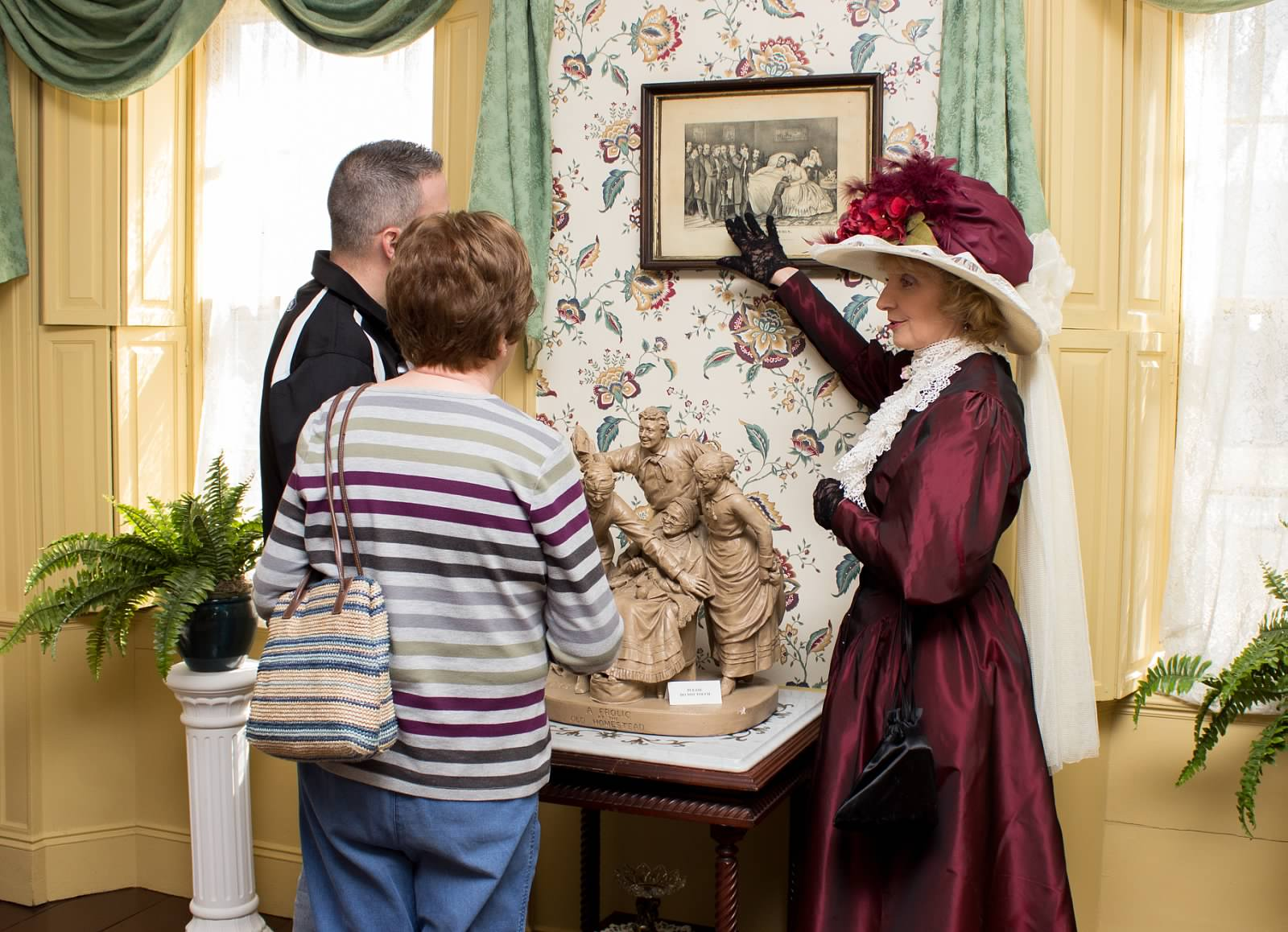 Hearthside House Guided Tours