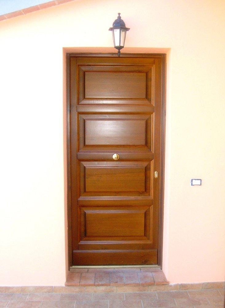 porta d'ingresso in legno