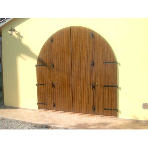 portone per ingresso a garage di villa