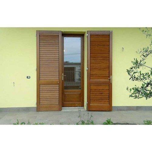 finestra per ingresso da cortile