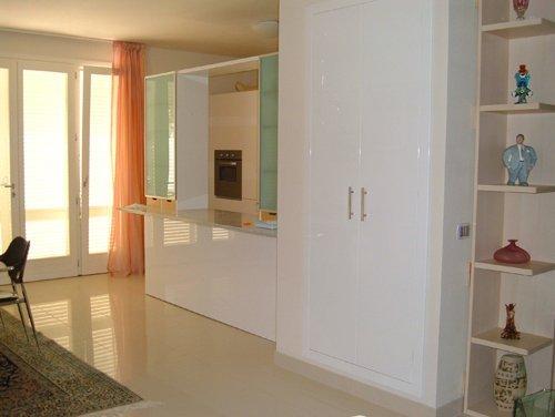 esempio di cabina armadio per soggiorno