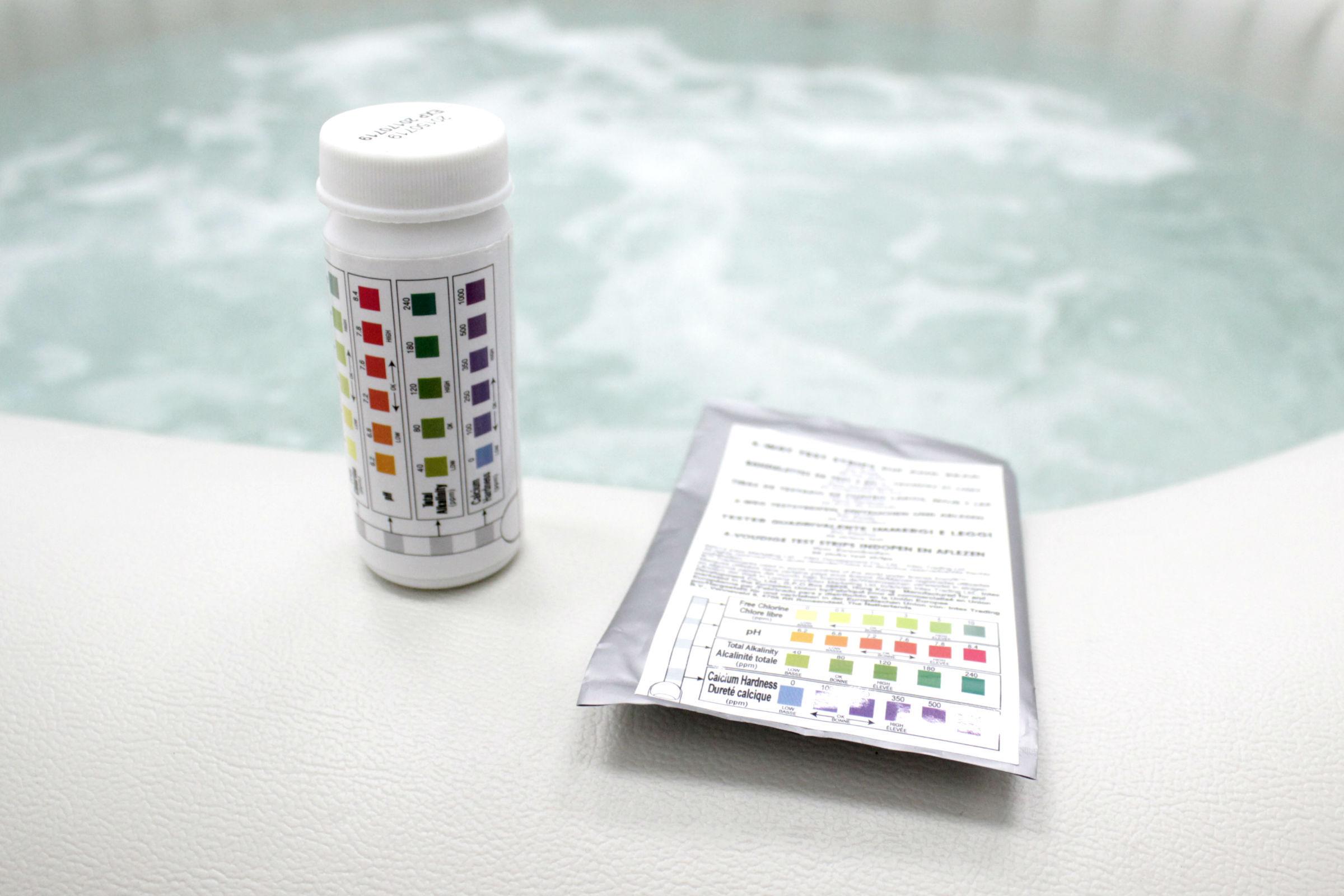 ชุดทดสอบน้ำในอ่างน้ำวน อ่างน้ำสปา อ่างน้ำจากุซซี่เคลื่อนที่ INTEX เพื่อตรวจค่าคลอรีน ค่าพีเอช ค่าแคลเซียม ค่าอัลคาลนิตี้ สำหรับโรงแรม สปา รีสอร์ท