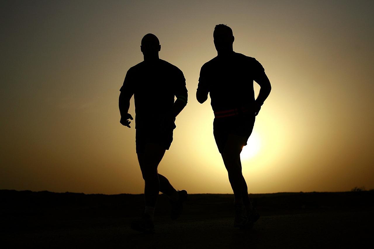 การแช่น้ำร้อนในอ่างน้ำวนจากุซซี่หลังออกกำลังกาย ข้อดีของการแช่น้ำร้อนหลังการออกกำลังกาย อ่างน้ำวนจากุซซี่เคลื่อนที่ อ่างน้ำสปา อ่างน้ำวนจากุซซี่รีสอร์ท โรงแรม