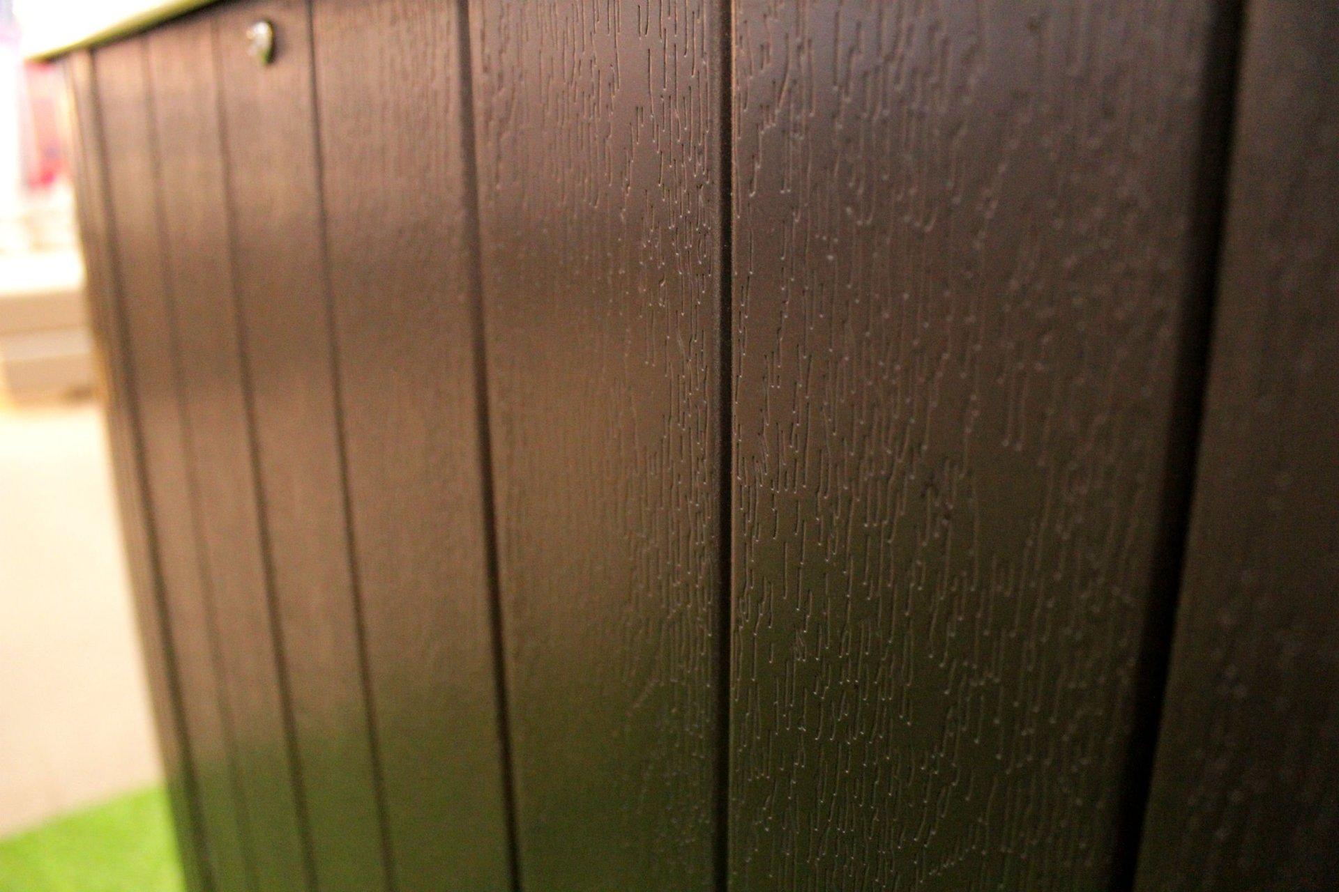 อ่างน้ำร้อนอะคริลิค ล้อมด้วย PVC ลายไม้ สีน้ำตาลเข้ม ระบบทำน้ำร้อนในตัวปรับอุณหภูมิได้ อ่างน้ำจากุซซี่สำหรับภายนอก หลังบ้าน ในสวน รีสอร์ท วิลล่า โรงแรม
