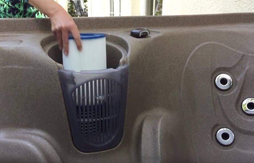 อ่างน้ำร้อนจากุซซี่สำหรับภายนอก อ่างน้ำวน อ่างน้ำสปา สำหรับภายนอกบ้าน อ่างน้ำร้อนจากุซซี่สามารถติดตั้งภายนอกบ้านได้ มีฝาปิดอ่างน้ำ พร้อมระบบนวด ระบบทำน้ำร้อนในตัว ระบบกรองน้ำ ระบบบำบัดน้ำ อ่างน้ำจากุซซี่สำหรับภายนอกเพื่อธุรกิจสปา โรงแรม รีสอร์ท อ่างน้ำร้อนจากุซซี่สำหรับวิลล่า รีสอร์ท อ่างน้ำวนลายอิฐ อ่างน้ำร้อนจากุซซี่เพื่อสุขภาพสำหรับภายนอก พร้อมการกรองน้ำที่สมบูรณ์