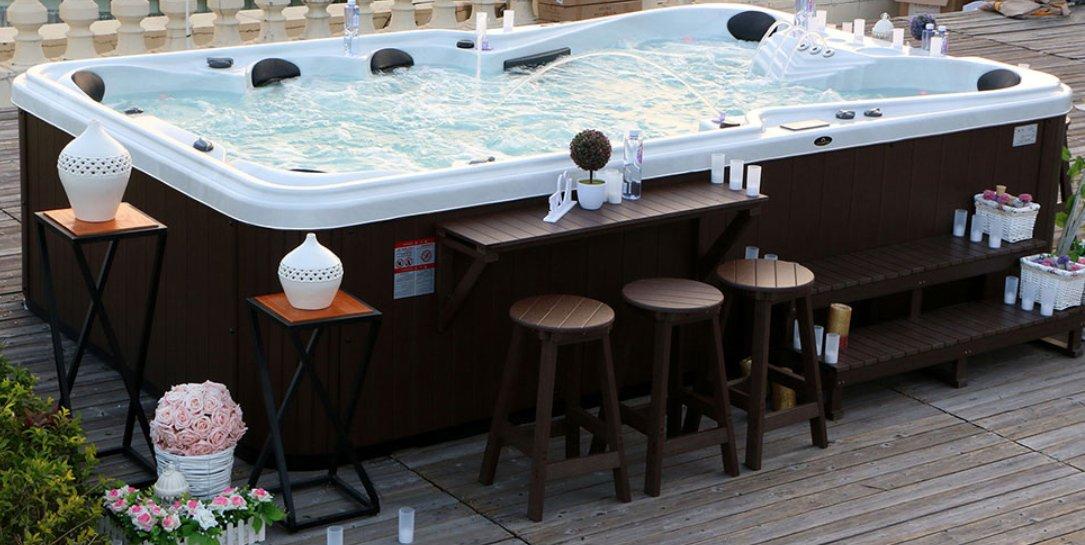 Outdoor Spa 9-Superb Seating Capacity & Ergonomic Design Hot Tub