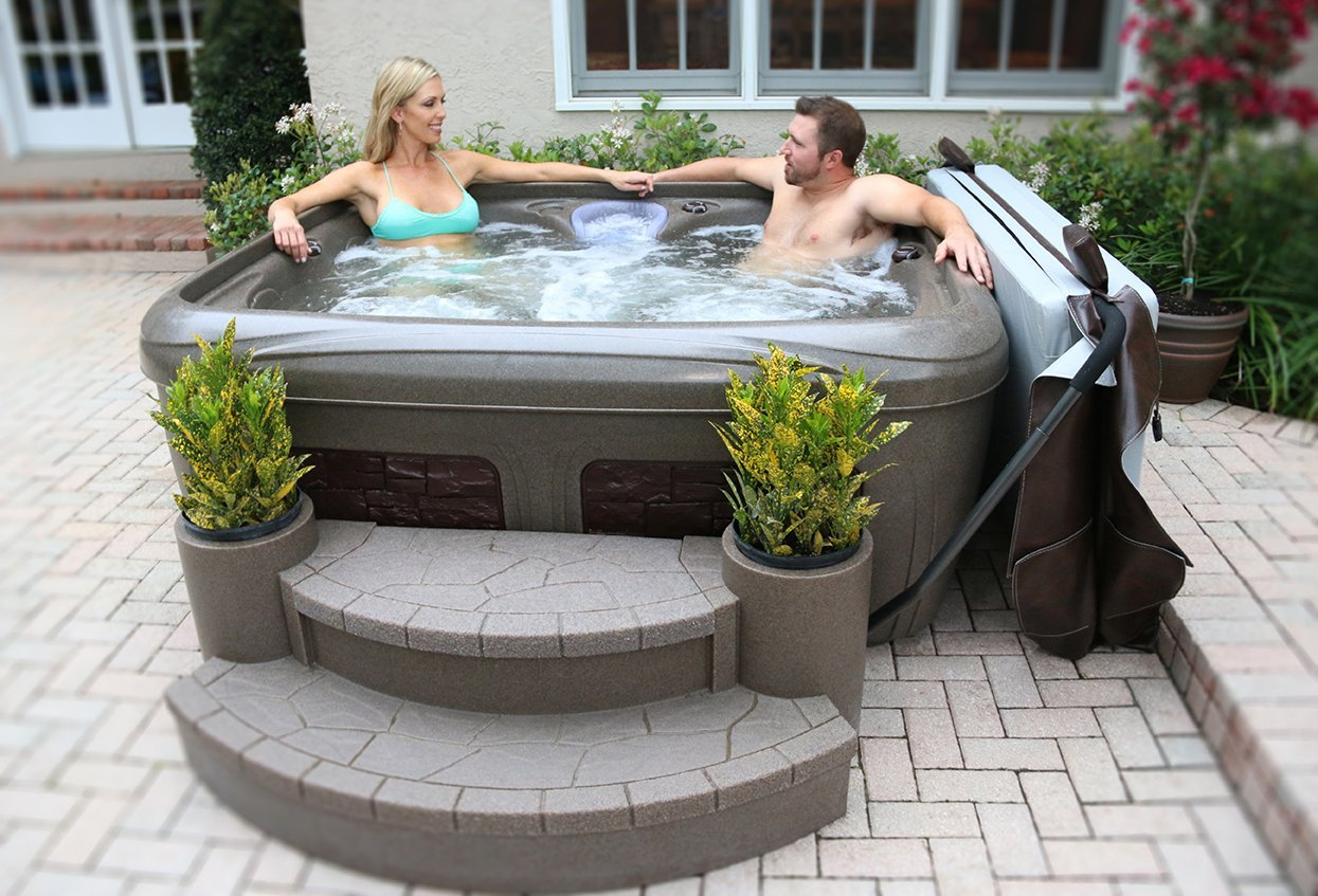 อ่างน้ำร้อนเพื่อครอบครัว โรงแรม จากุซซี่สำหรับภายนอก อ่างน้ำวน อ่างน้ำสปา สำหรับภายนอกบ้าน อ่างน้ำร้อนจากุซซี่สามารถติดตั้งภายนอกบ้านได้ มีฝาปิดอ่างน้ำ พร้อมระบบนวด ระบบทำน้ำร้อนในตัว ระบบกรองน้ำ ระบบบำบัดน้ำ อ่างน้ำจากุซซี่สำหรับภายนอกเพื่อธุรกิจสปา โรงแรม รีสอร์ท อ่างน้ำร้อนจากุซซี่สำหรับวิลล่า รีสอร์ท อ่างน้ำวนลายอิฐ อ่างน้ำร้อนจากุซซี่เพื่อสุขภาพสำหรับภายนอก บรรยากาศภายนอกสุดแสนผ่อนคลาย