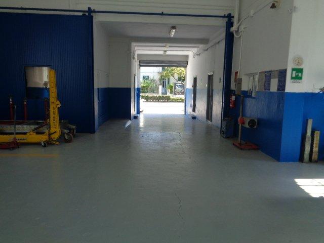 interno della carrozzeria Nuova Spram da ingresso