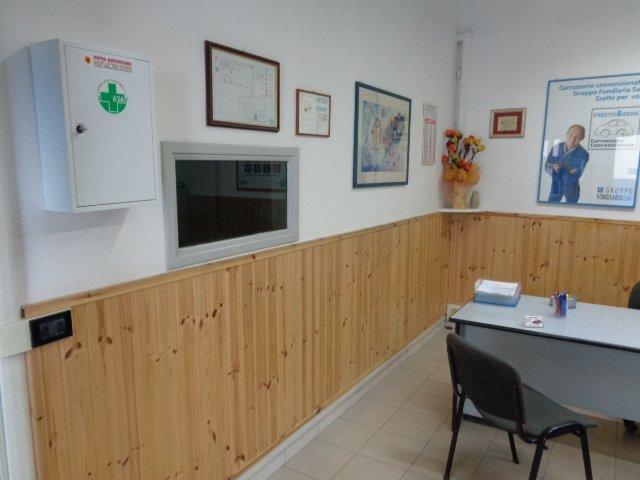 uffici amministrativi con kit di primo soccorso Carrozzeria Nuova Spram