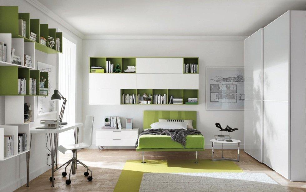 Libreria bianca e verde