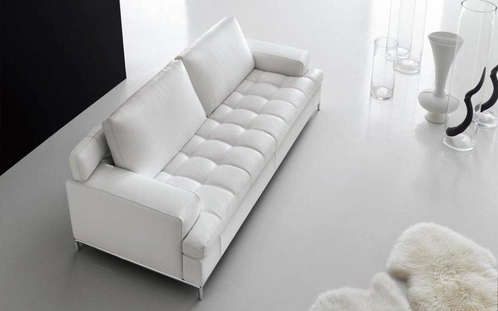 divano trapuntato in pelle