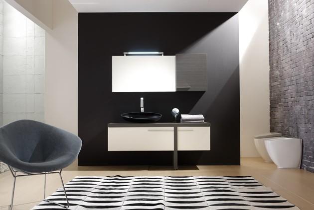 Bagno parete nera