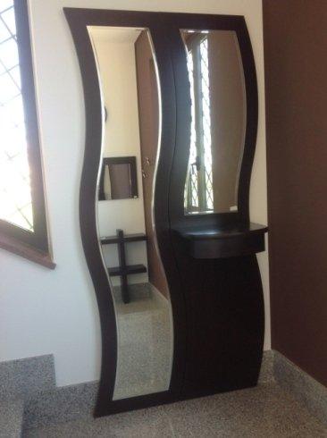mobile per ingresso con specchio ad onda
