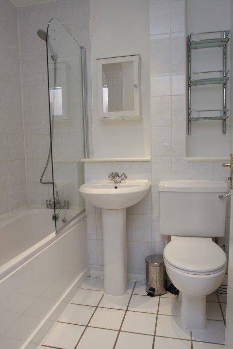 bathtub and sink