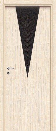una porta bianca con un disegno nero a triangolo