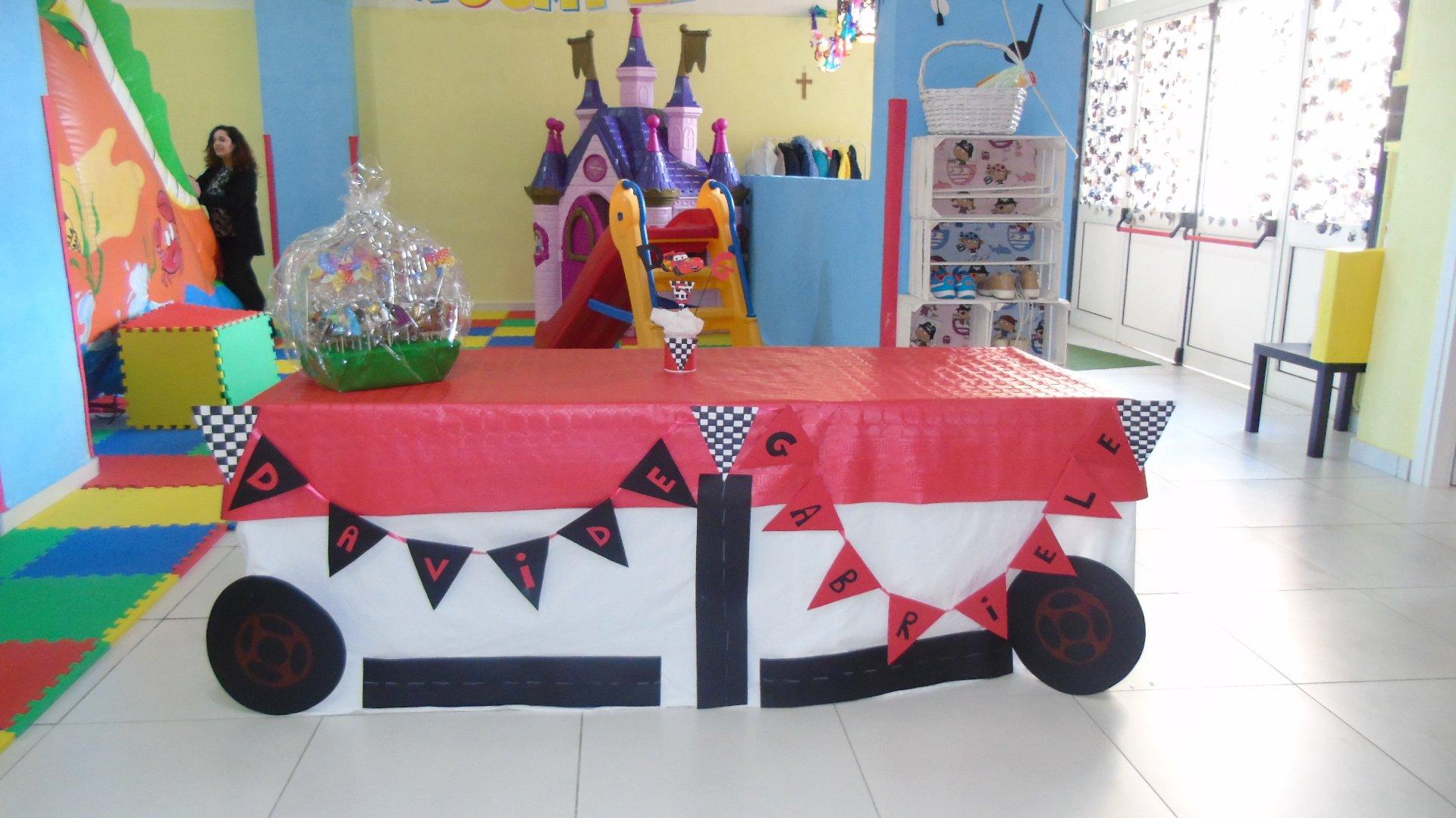 vista di una stanza per festa di compleanno