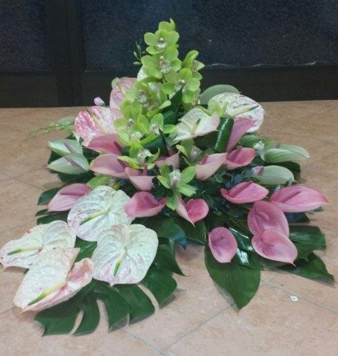 Ornamento di fiori permanente, poiché sembrano naturali