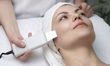 Woman pays a visit our dermatologist in Ashland, KY