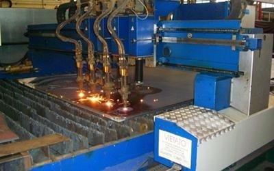 Taglio cannello in ferro