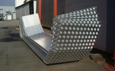 Particolari piegati alluminio